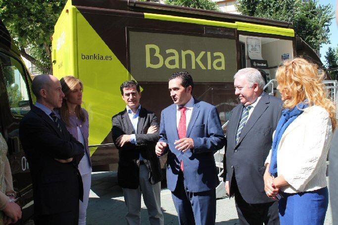 Bankia pone en marcha un ofibus para atender los pueblos en los que no tiene oficina bancaria