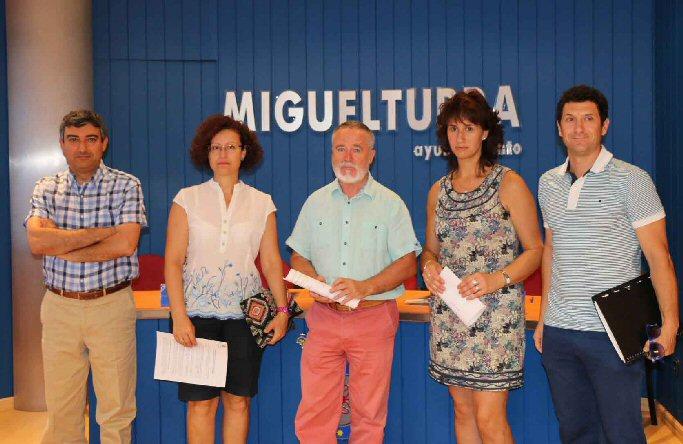 El Ayuntamiento de Miguelturra ha firmado un convenio con las papelerias de la localidad