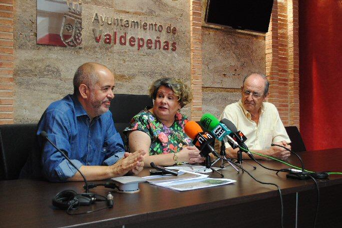 El Consistorio valdepeñero cede a Cáritas Interparroquial terreno para la creación de un huerto destinado a familias necesitadas