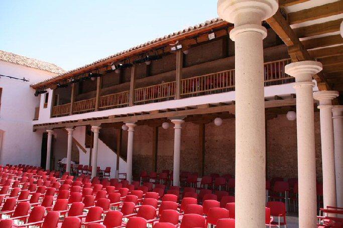 """Torralba de Calatrava Ricardo Fernández del Moral, Orquesta Filarmónica de la Mancha y """"Luces Desenfocadas"""" actúan este fin de semana"""