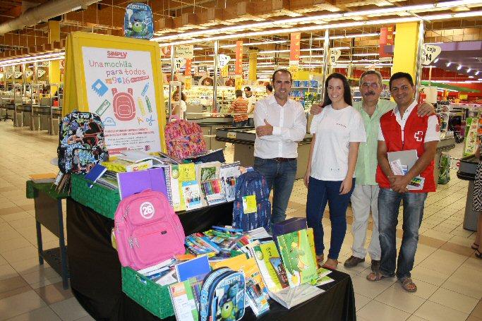 Cruz Roja Valdepeñas recoge más de mil quinientos euros en material escolar con su programa Una mochila para todos