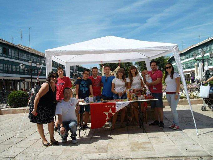 Juventudes Socialistas de Almagro recoge más de 1.700 kilos de comida y material escolar