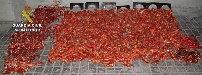 Manzanares Cuatro detenidos por robar mil kilos de cable de cobre en una estación de Adif