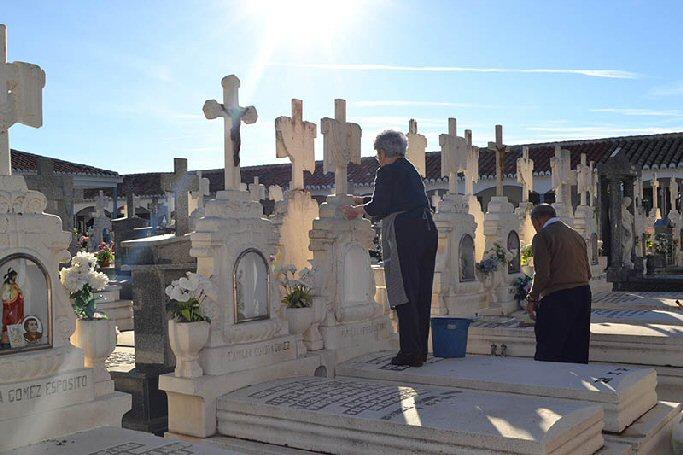 Almagro Hoy se han ultimado trabajos de mantenimiento y acondicionamiento del Cementerio Municipal para el Día de los Difuntos