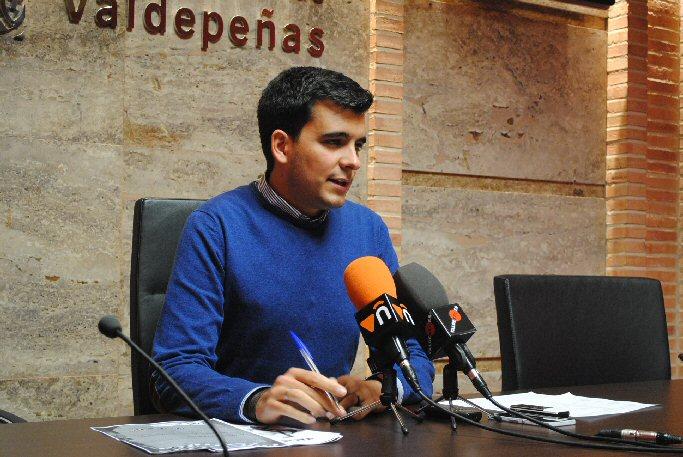 El Área de Juventud del Ayuntamiento de Valdepeñas presenta los Cursos de Formación del Otoño 2014