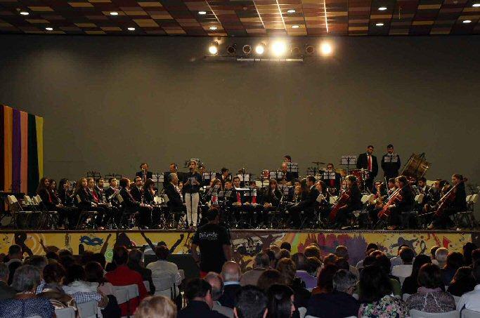 Miguelturra Gran acogida del Encuentro Solidario de Bandas a favor de Sonrisas y Montañas