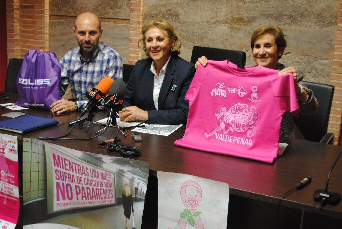 """Valdepeñas """"Las mujeres que padecen cáncer son símbolo de superación y esperanza"""""""