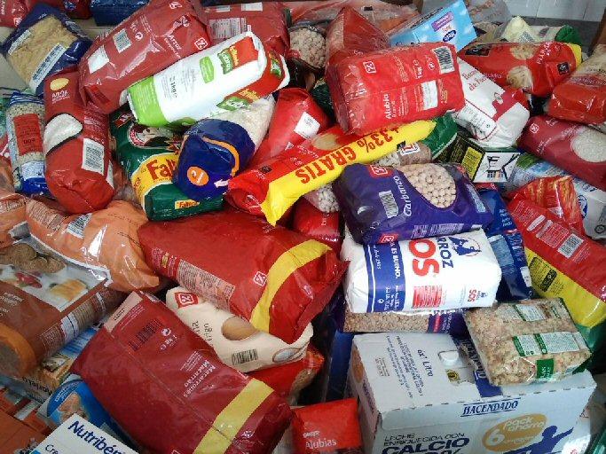 """Valdepeñas La biblioteca municipal se suma a la campaña de recogida de alimentos """"Palabras por kilos"""""""
