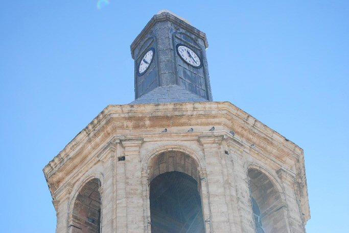 Valdepeñas La rehabilitación del reloj de la Iglesia de la Asunción ha supuesto una inversión de siete mil euros