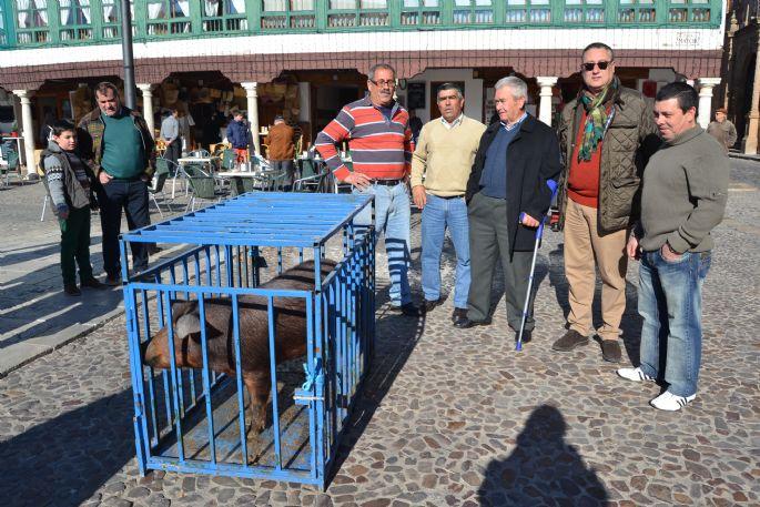 Almagro La agraciada con Corrupto, el Guarrillo de San Antón, ha decidido donarlo para las personas más necesitadas