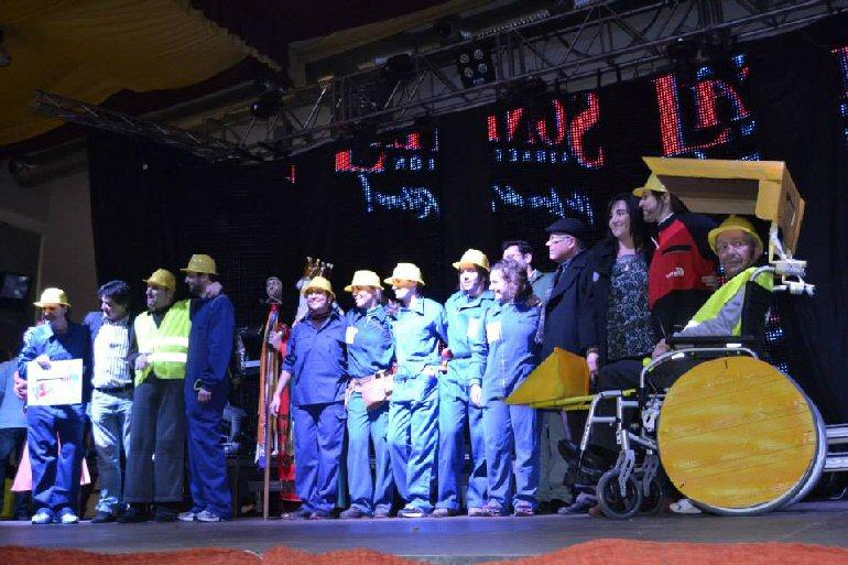 Daimiel El Centro Vicente Aranda obtiene el primer premio de la categoría absoluta en el Martes del Río del Carnaval 2015