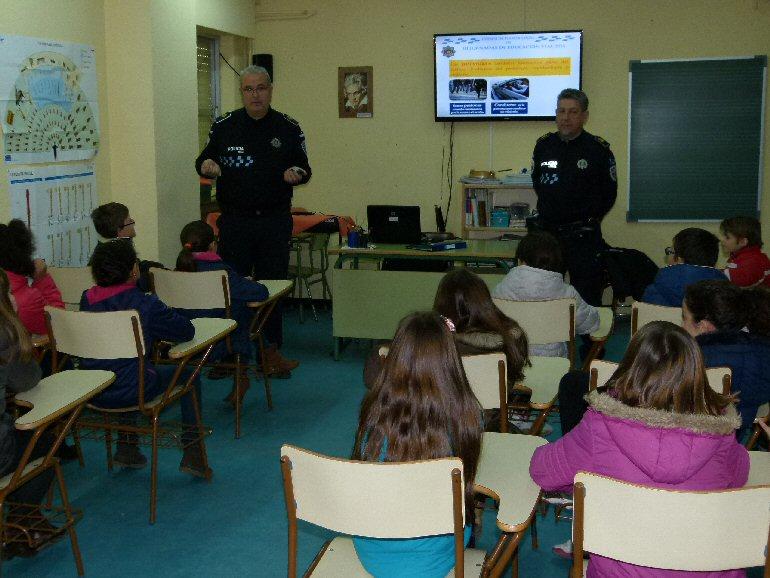 Manzanares La Policía Local forma en educación vial a escolares de 4º y 5º
