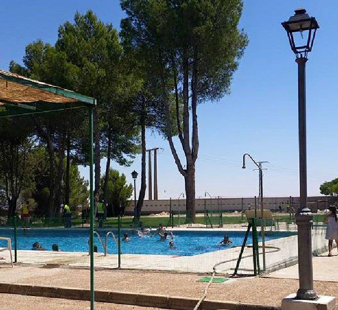 pozuelo de calatrava abierta desde hoy la piscina