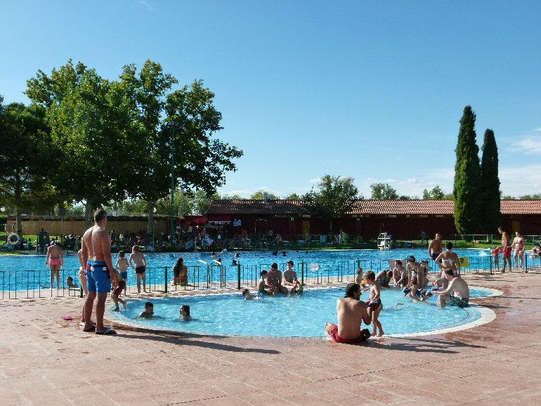 Manzanares la piscina municipal de verano inicia la for Piscinas actur