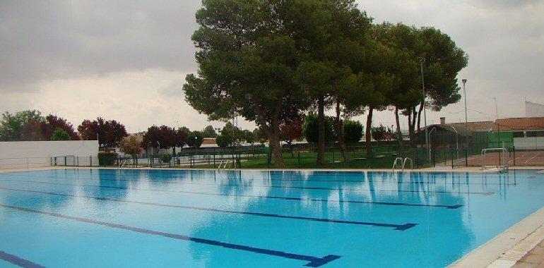 Bola os la remodelada piscina municipal abrir sus for Piscina municipal pozuelo