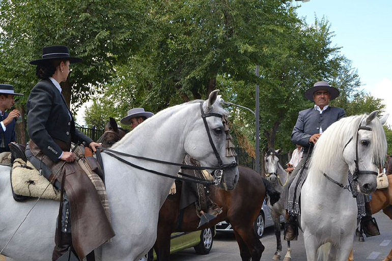 Almagro El Pasacalles Ecuestre estrenó la Feria y Fiestas 2015