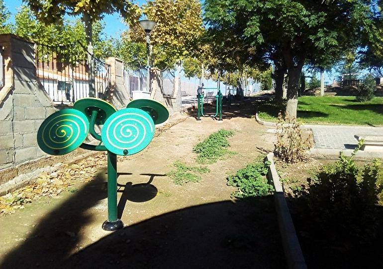 aldea-del-rey-la-concejalia-de-deportes-instala-un-circuito-de-aparatos-biosaludables-enfocado-principalmente-a-los-mayores