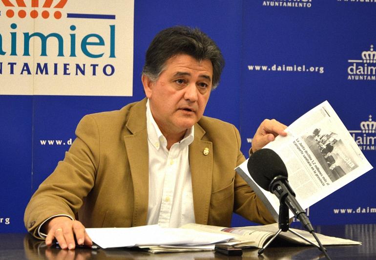Daimiel Leopoldo Sierra asegura que la movilización ciudadana ha sido la que ha asegurado el servicio de enfermería en la ambulancia