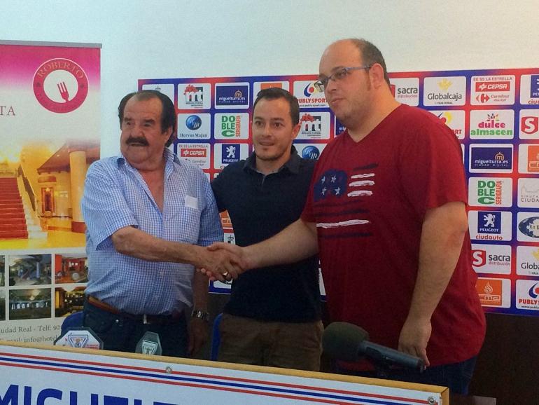 Acuerdo histórico entre los presidentes del CD Miguelturreño y el CD La Estrella