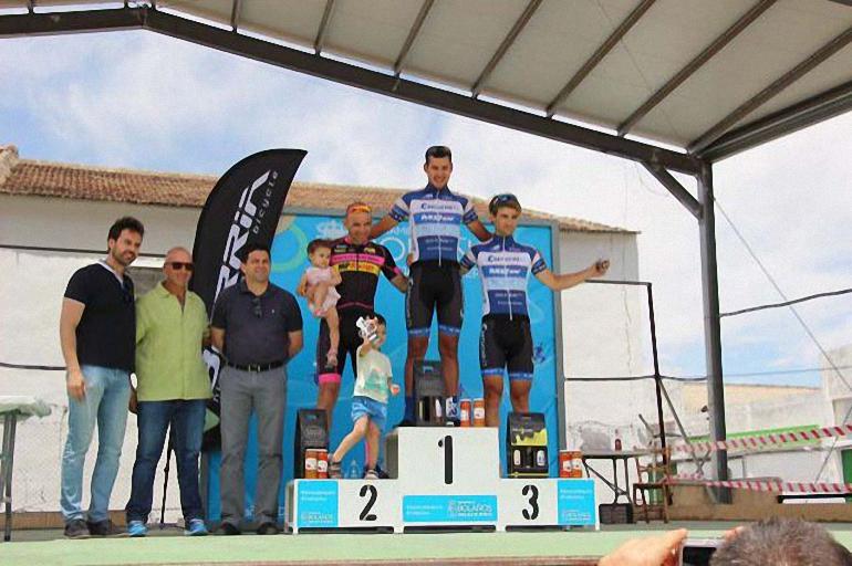 Bolaños Casi un centenar de ciclistas disputaron el I Giro de Calatrava
