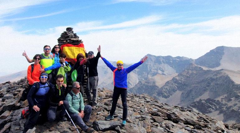 Almagro Los senderistas almagreños coronan el Pico de La Veleta