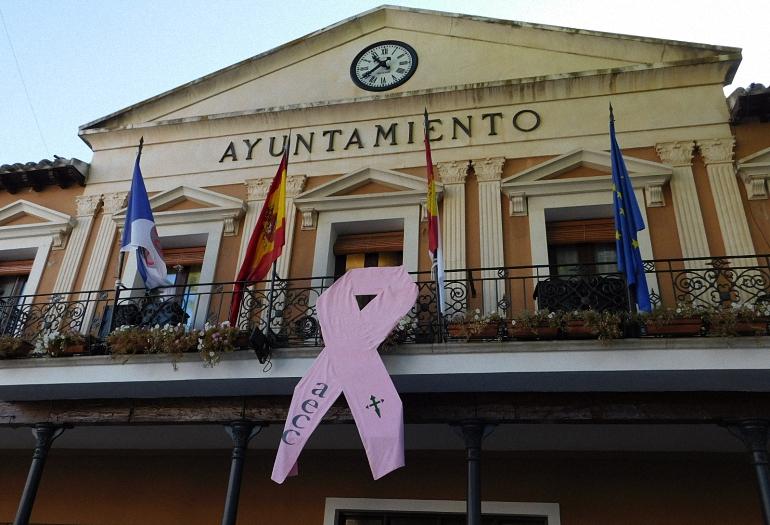 Daimiel se suma al apoyo contra el cáncer de mama y ginecológico