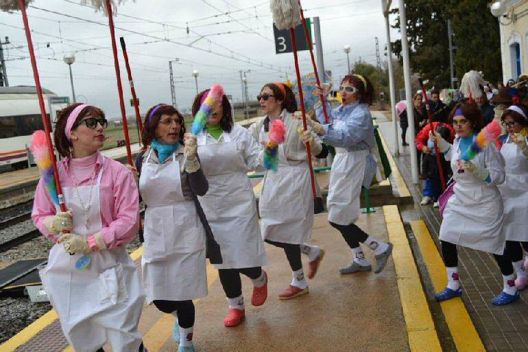 Almagro Últimos retoques, ensayos y preparativos para arrancar mañana con el mejor sarcasmo y humor de este Carnaval 2015