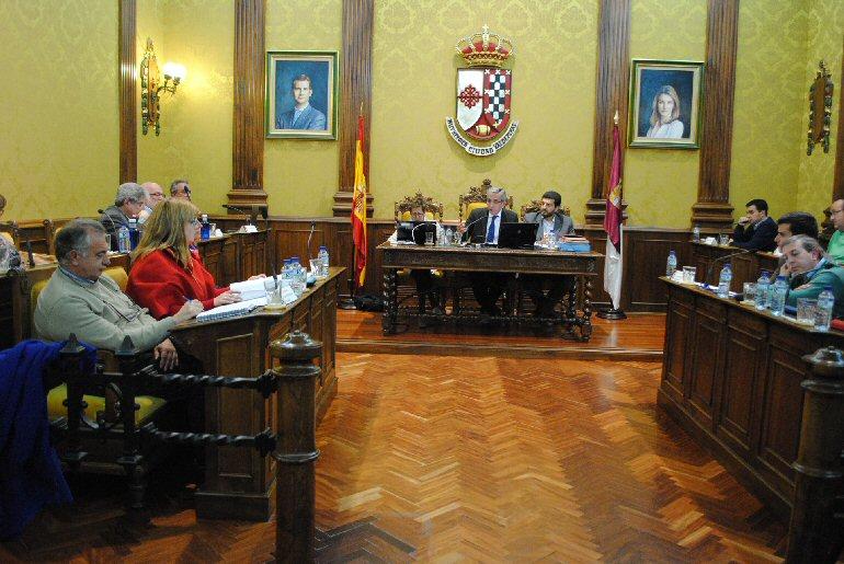 El Pleno del Ayuntamiento de Valdepeñas aprueba la ampliación de la red wifi entre otros asuntos del orden del día