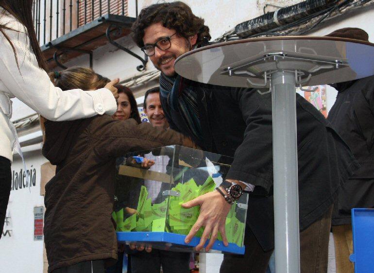 Villanueva de los Infantes entrega la Cesta de los Regalos valorada en 2.200 euros