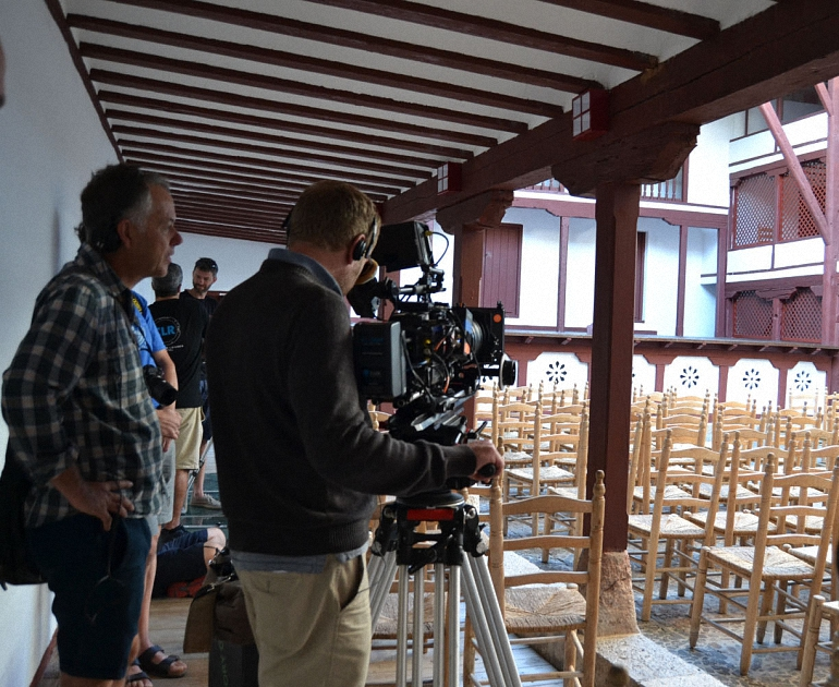almagro-sky-television-graba-parte-de-su-serie-el-viaje-a-espana-en-escenarios-almagrenos