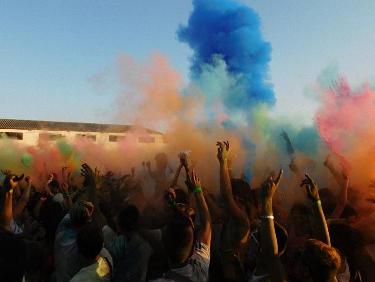 Daimiel vibra durante ocho horas llenas de color al ritmo del Festival of Colors