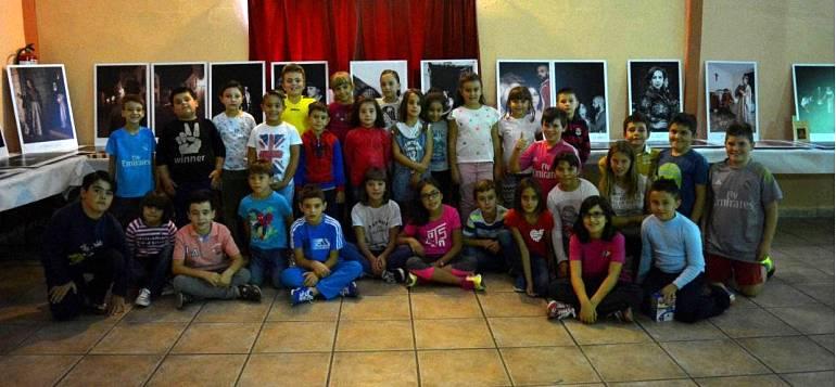 valenzuela-de-calatrava-alumnos-del-colegio-publico-virgen-del-rosario-visitan-la-exposicion-mas-alla-del-quijote