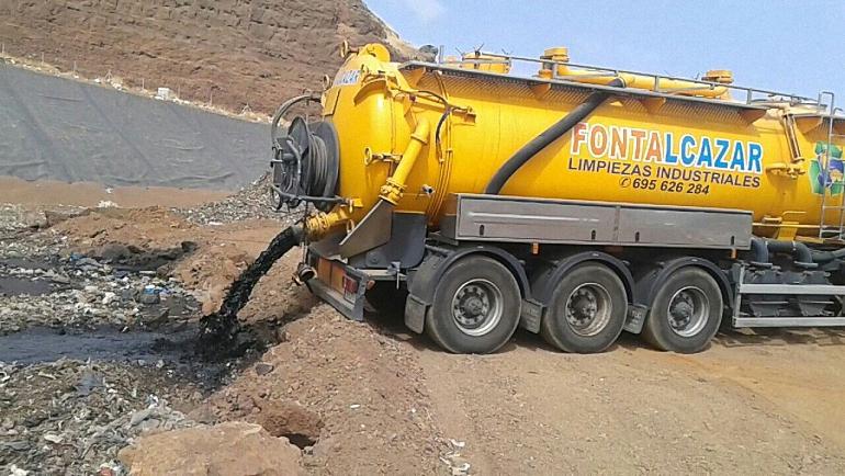 camion-vertidos-corrosivos-en-la-planta-de-rsu-de-almagro