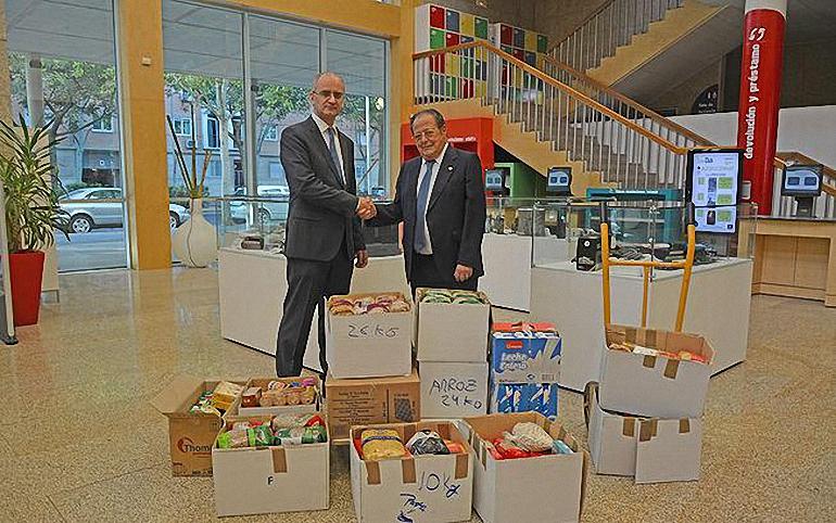 ciudad-real-el-banco-de-alimentos-recibe-300-kilos-de-alimentos-de-la-i-feria-del-videojuego