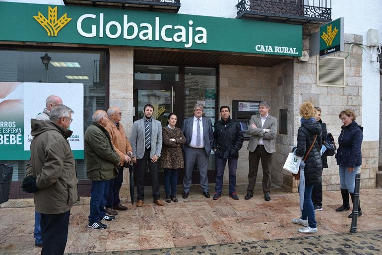 almagro-los-trabajadores-de-la-banca-se-solidarizan-con-los-familiares-del-director-de-caixabank-asesinado-ayer-en-la-solana
