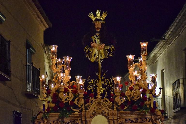 Almagro Nuevo trono para el Moreno que procesionó anoche por las calles almagreñas