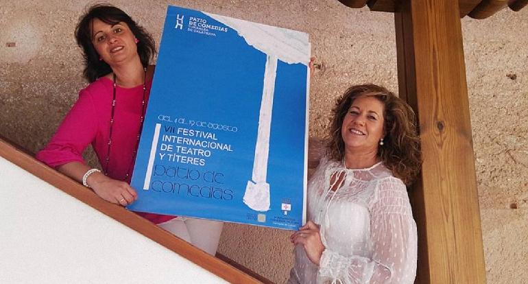 Torralba de Calatrava presentó su Guía Cultural para este verano en el Patio de Comedias
