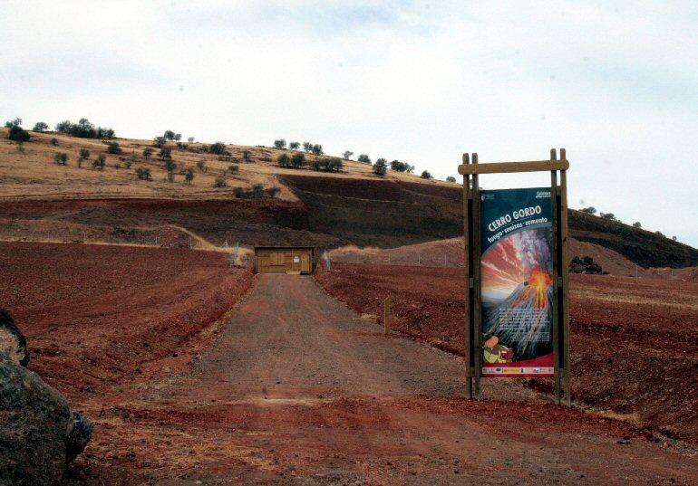 Granátula de Calatrava Más de 13 mil personas han pasado por Cerro Gordo en su primer año como museo volcán