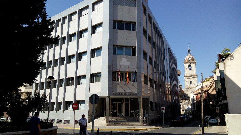 Miguelturra La fiscalía solicita casi 20 años de cárcel para el acusado de propinar ocho puñaladas a su pareja