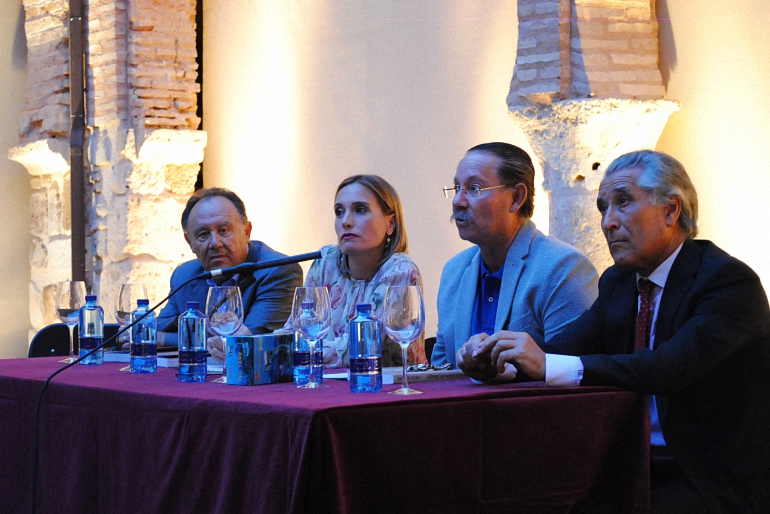 Almagro Francisco Asensio presentó la nueva reedición de su libro Personajes Ilustres de Almagro