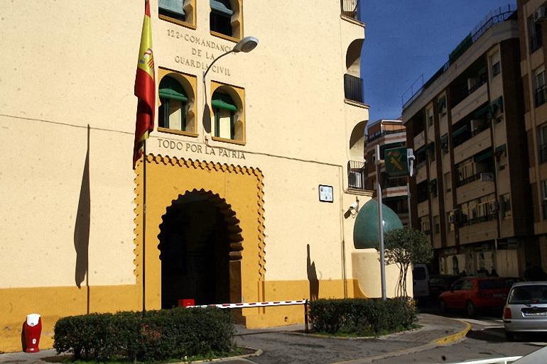 Ciudad Real Una quincena de agentes de la Guardia Civil han viajado esta mañana hacia Cataluña para sumarse al despliegue que está llevando a cabo el Ministerio del Interior