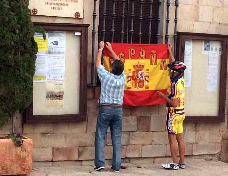 Almagro Un nutrido grupo de almagreños se concentran en la Plaza Mayor por la unidad de España