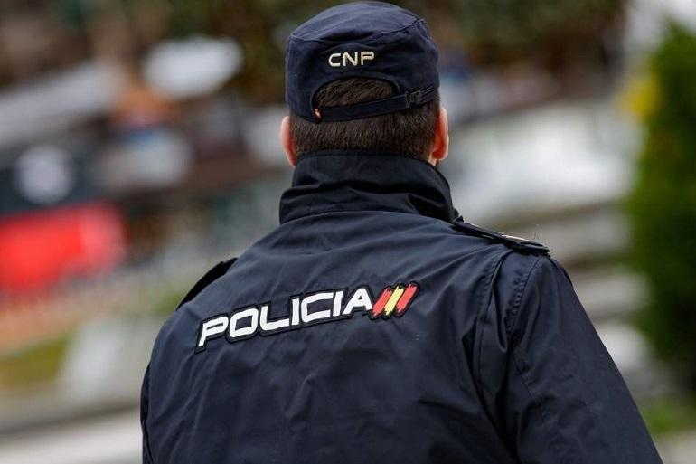 Ciudad Real Un matrimonio es rescatado de las llamas por la Policía Nacional