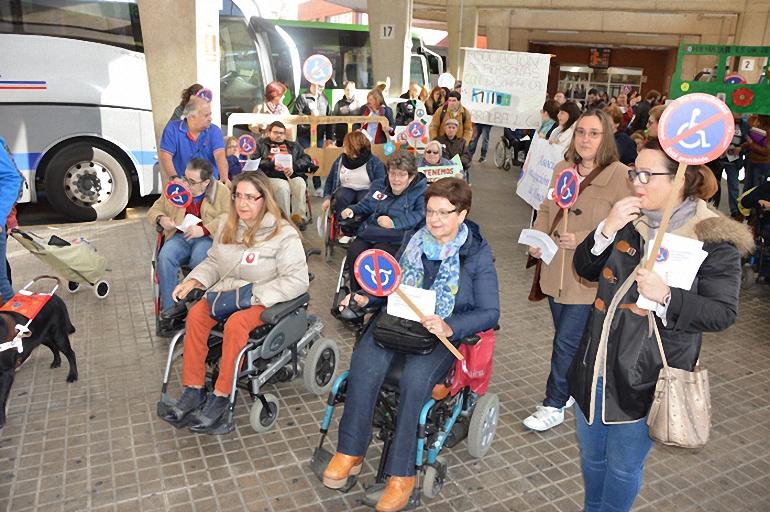 Cocemfe Ciudad Real reivindica el derecho de las personas con discapacidad al derecho a la accesibilidad